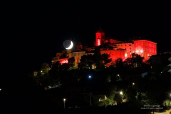 Monteprandone illuminata di rosso in occasione della Giornata Mondiale del Donatore
